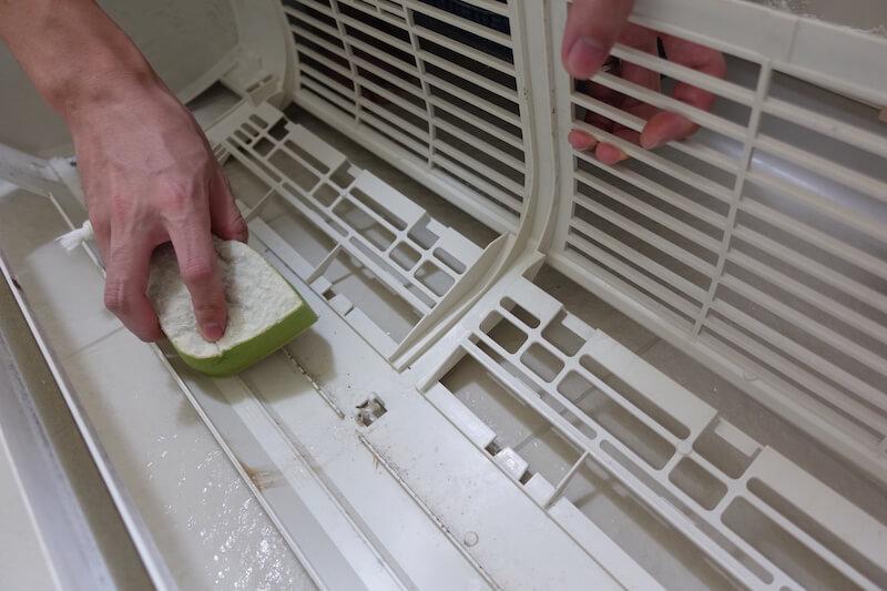 エアコンカバーを洗う