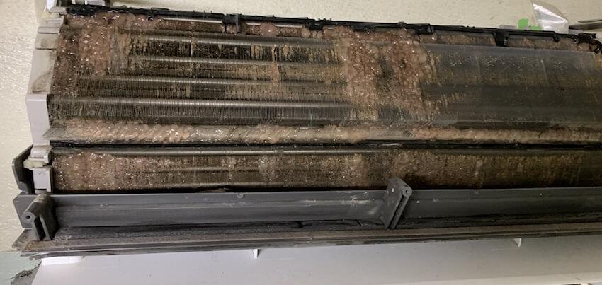エアコンアルミフィンの汚れ