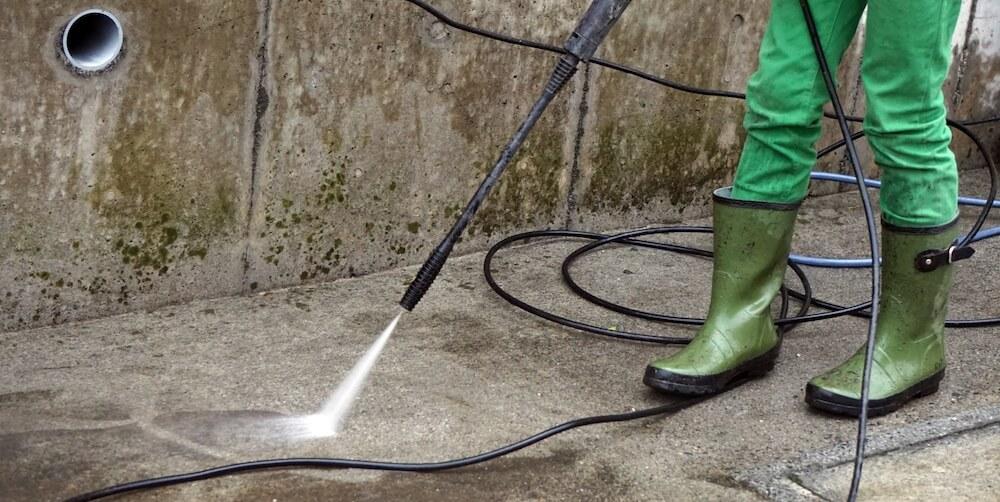 ケルヒャーの外部高圧洗浄風景